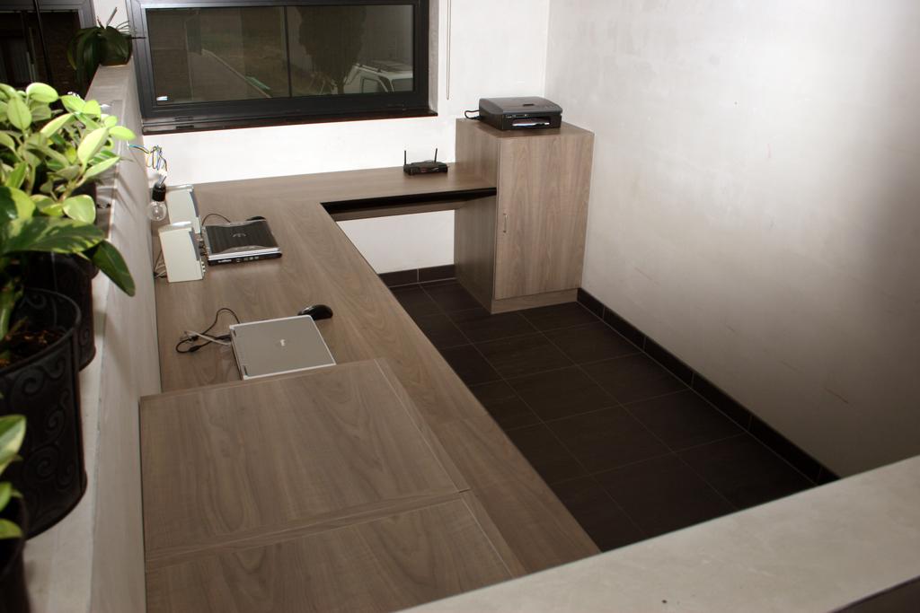 Bureau in moderne nieuwbouw 11i interieurarchitectuur - Moderne interieurarchitectuur ...