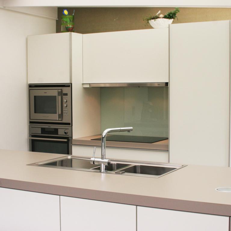 Moderne keuken in veranda aanbouw aan woning 11i interieurarchitectuur - Keuken in i ...