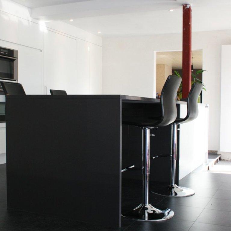 Moderne open keuken met kookeiland car interior design - Open keuken met kookeiland ...