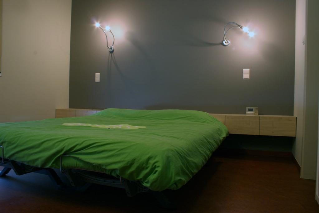 Nachtkastjes In Moderne Slaapkamer 11i Interieurarchitectuur Pictures